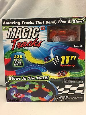 Magic Tracks The Amazing Racetrack that Can Bend, Flex & Glow As seen on TV Toys