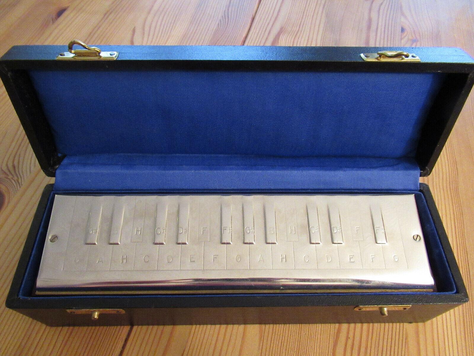 Hohner's chromatische Bass-Harmonika mit Karton