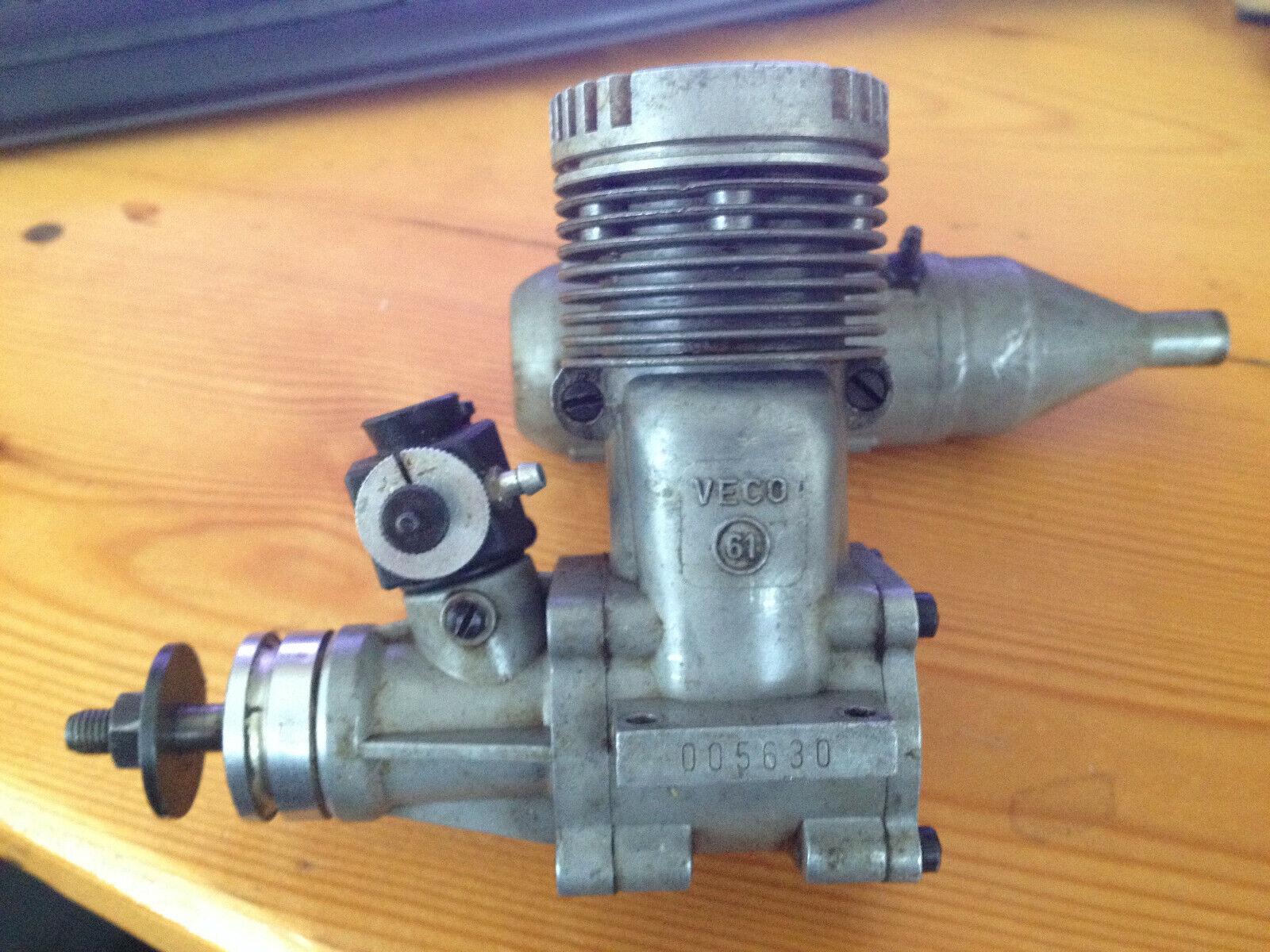 VECO 61 con silenciador estático Perry CyeB motor retro nitro flash