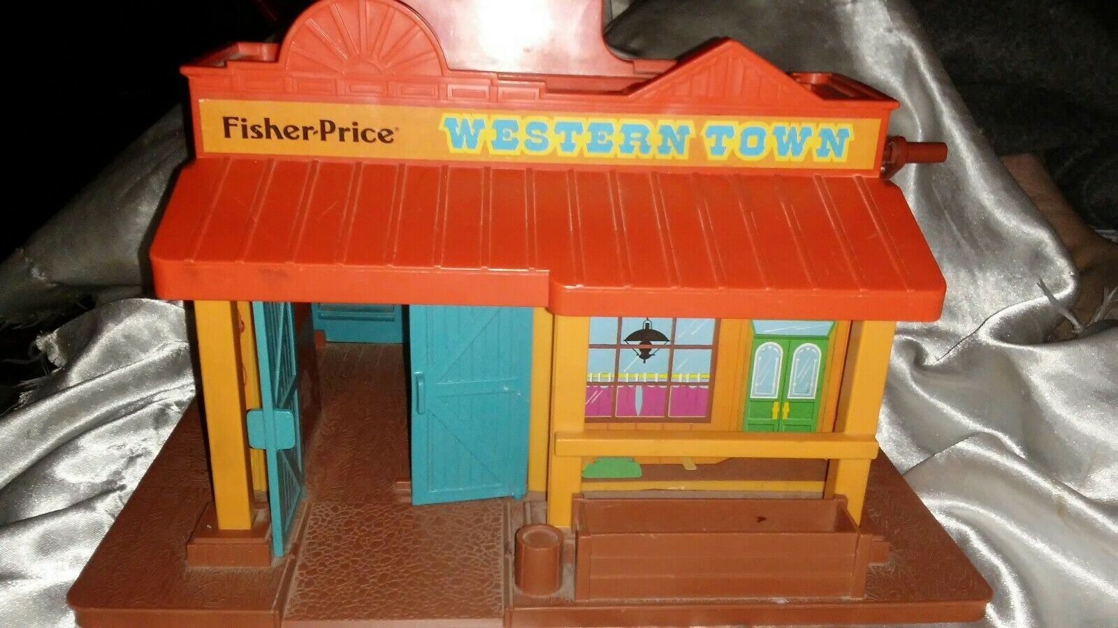 VINTAGE 1982 FISHER PRICE WESTERN TOWN / NO ACCESSORIES