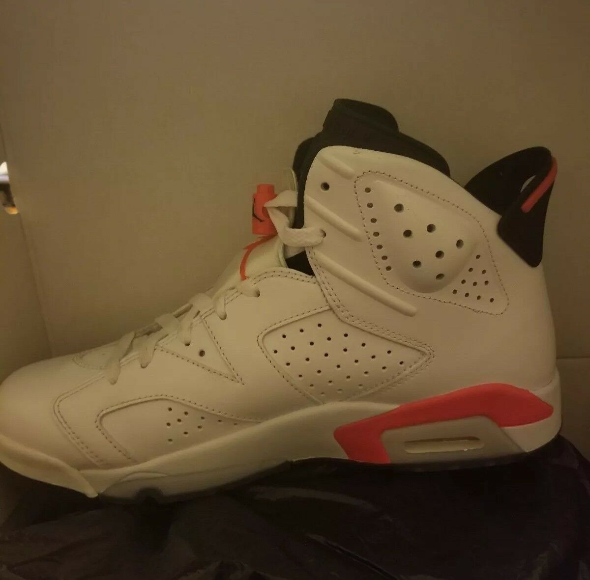 Air Jordan 6 Great condition Ships Fast