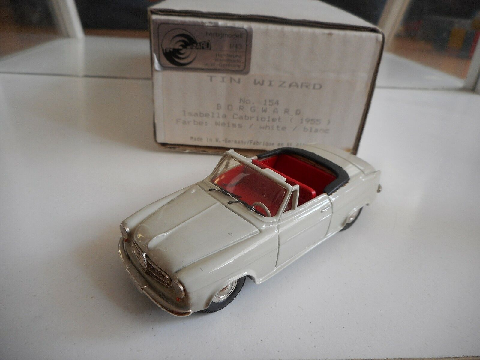 Tin Wizard Borgward Isabella Cochebiolet 1955 in WHite on 1 43 in Box