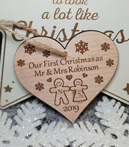 PERSONALISED-DECORATION-TREE-BAUBLE-GINGERBREAD-MAN-1ST-CHRISTMAS-AS-MR-amp-MRS