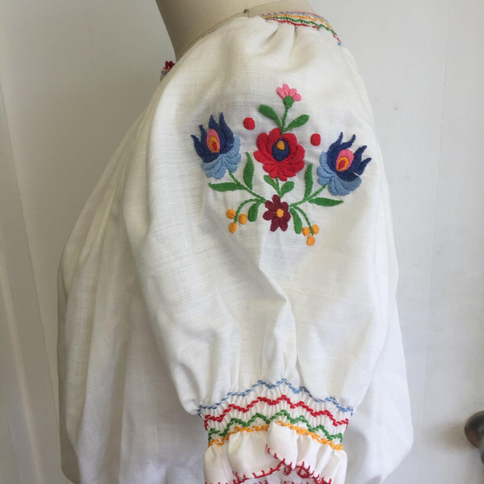 Vintage Hungarian Blouse Unworn Embroidered Peasa… - image 6