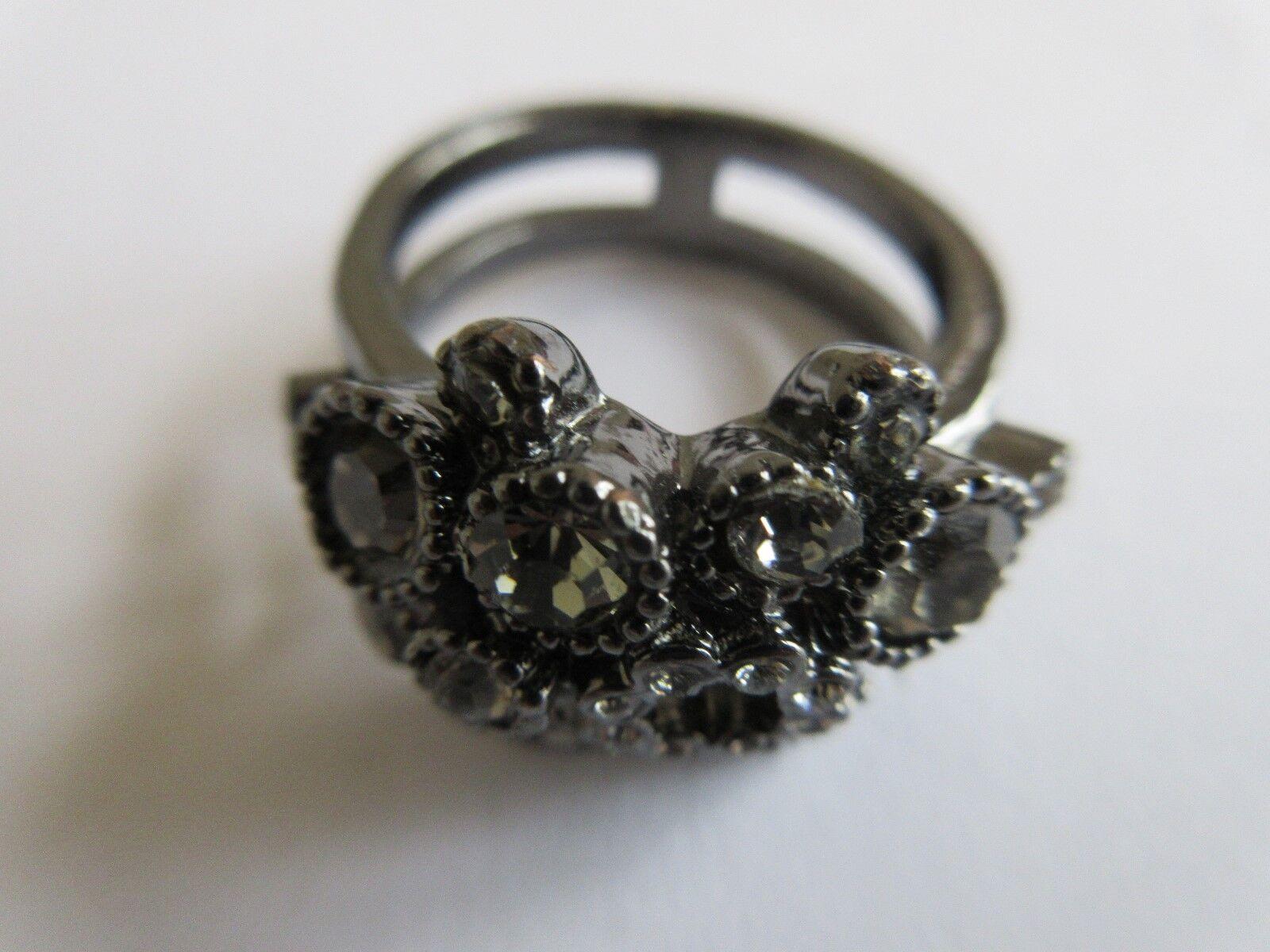 Ladies Ring , Multi Stone , Antique , Unique , Area For
