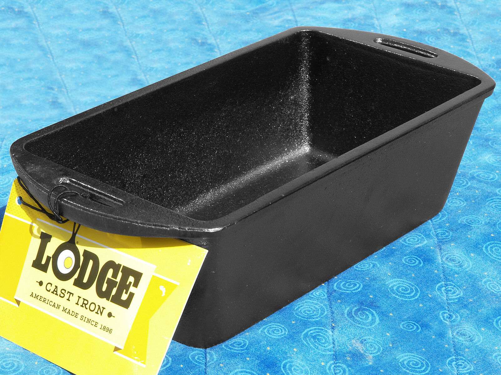 1 Lodge L4LP3 Cast Iron Bread Baking Loaf Pan seasoned FREE SHIPPING meatloaf 2