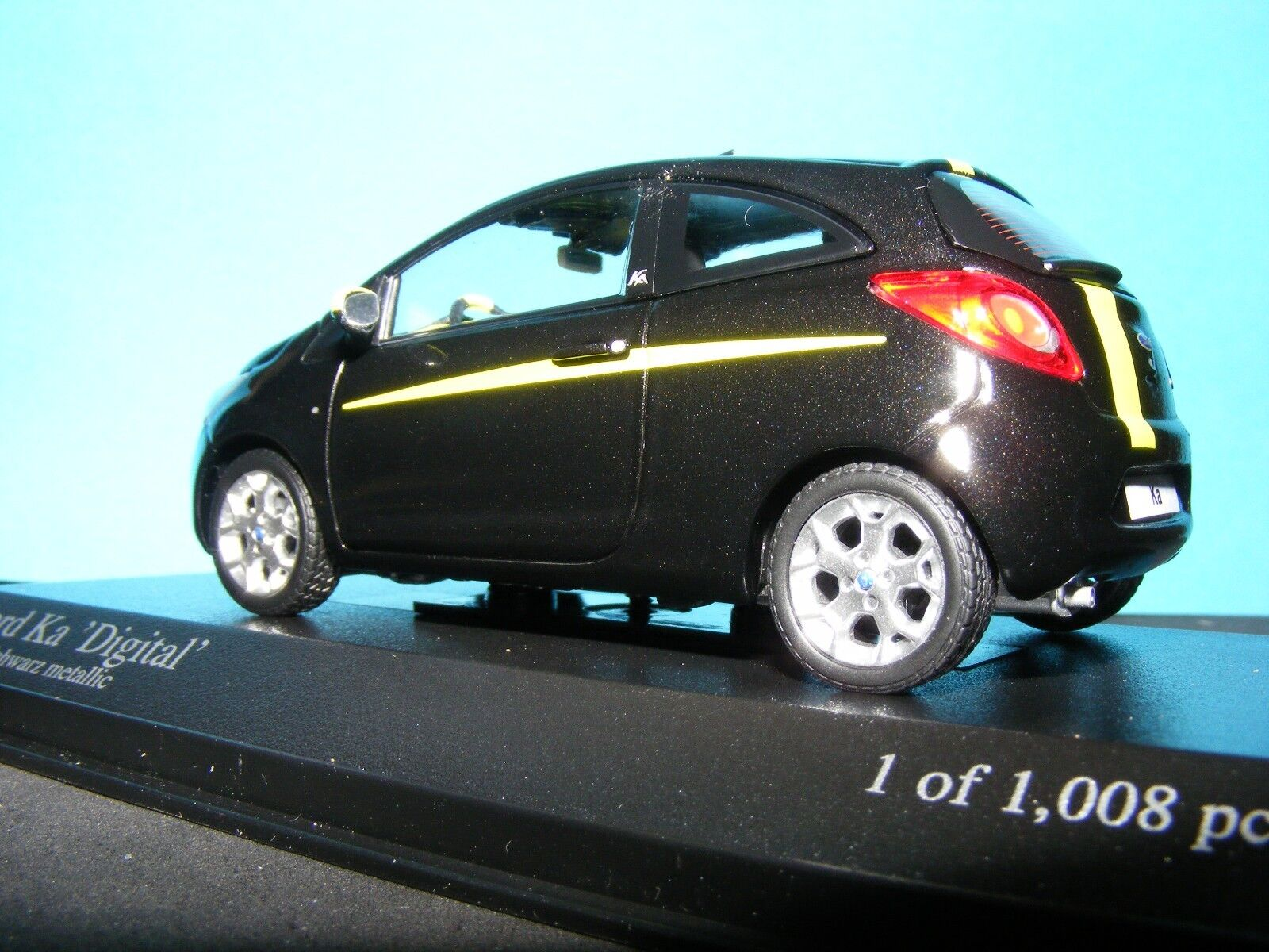 Ford Ford Ford Ka digital en Luminoso Amarillo Negro Metálico 2009 1 43RD. Minichamp Modelo c585c3