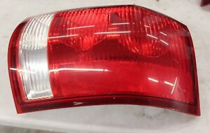 Saturn-Vue-2002-2007-Right-Side-Tail-Light-22711438