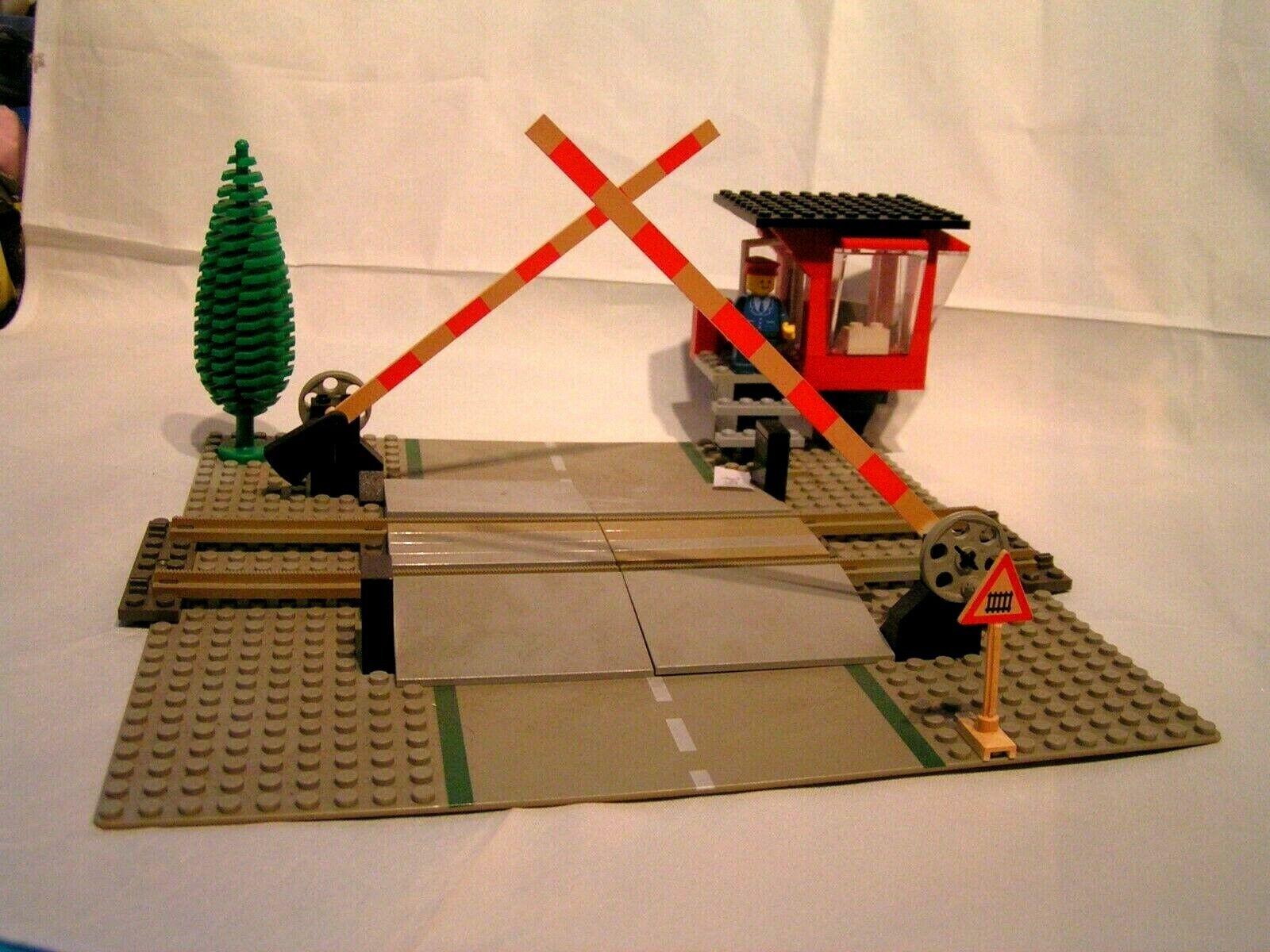 le migliori marche vendono a buon mercato LEGO LEGO LEGO TRAIN VINTAGE   -  PASSAGE A NIVEAU  ( ref. 7835)  Offriamo vari marchi famosi