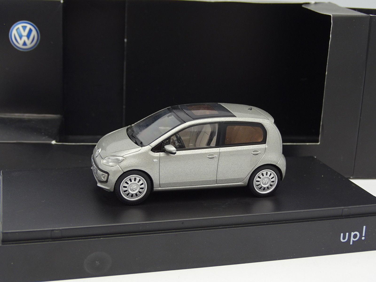 Schuco 1 43 - VW Up Grigia