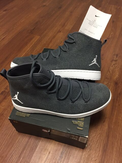 competitive price 5bc7b 27f3d Jordan Galaxy Mens 10.5 Dark Grey White With Damaged Box