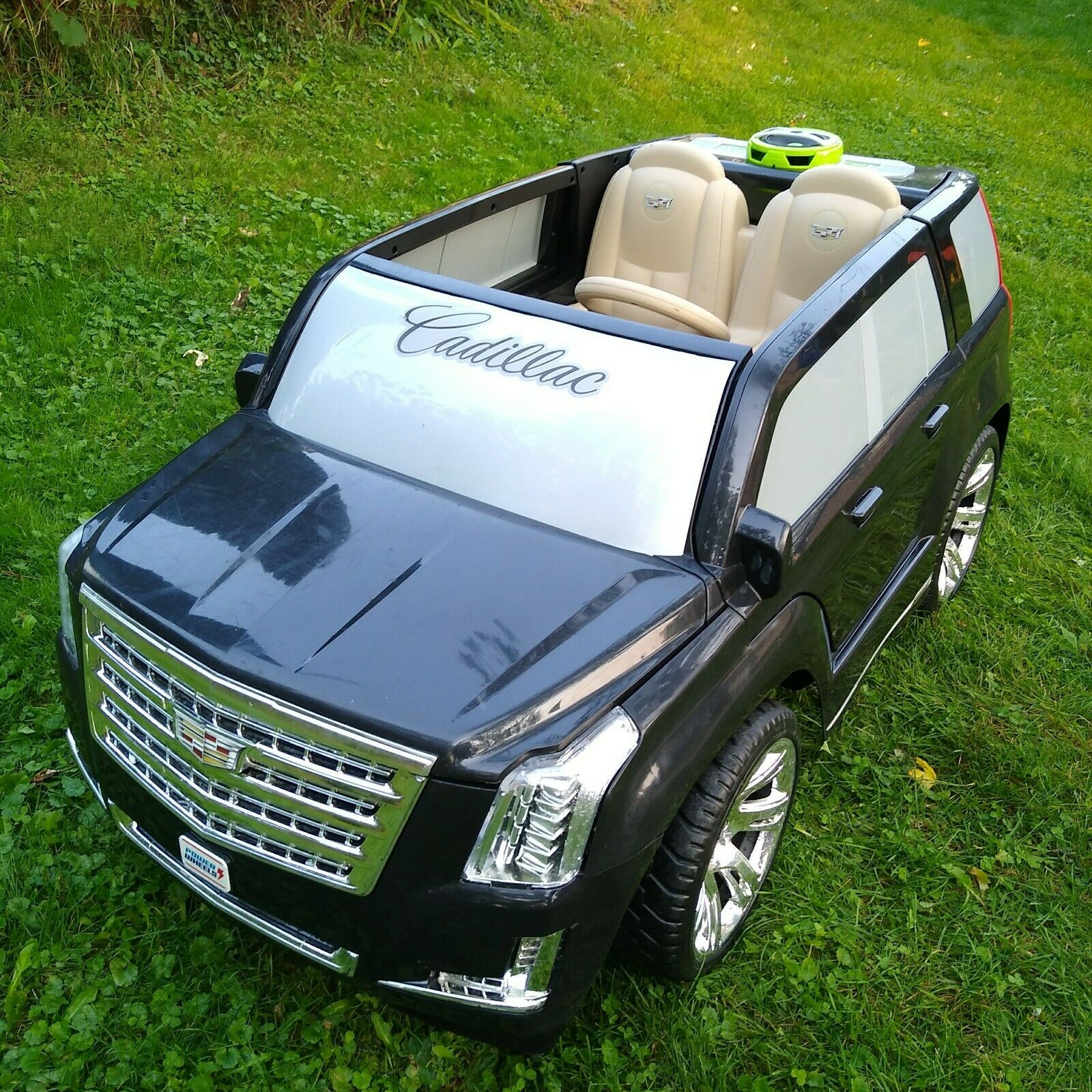 power wheels barbie cadillac escalade ride on model 20765593 for sale online ebay power wheels black cadillac escalade huge 12v car suv electric ride on toy