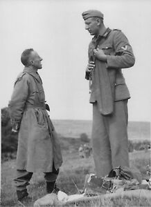 Details about WWII Photo Canadian soldier and the captured Jacob Naken WW2  World War Two / 22