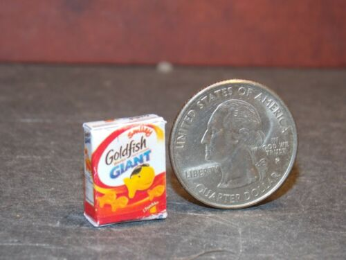 Dollhouse Miniature Food Box Cheese Crackers 1:12 inch scale A7 Dollys Gallery