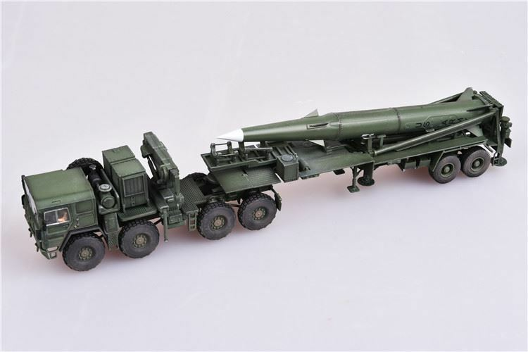 Modelcollect 1 72 U.S. Army M1001 Tractor & Pershing II Tactical Missile AS72101
