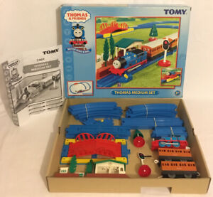 TOMY-Thomas-amp-Friends-Motor-Road-And-Rail-Medium-Set-7401-Complete-Extra-Track