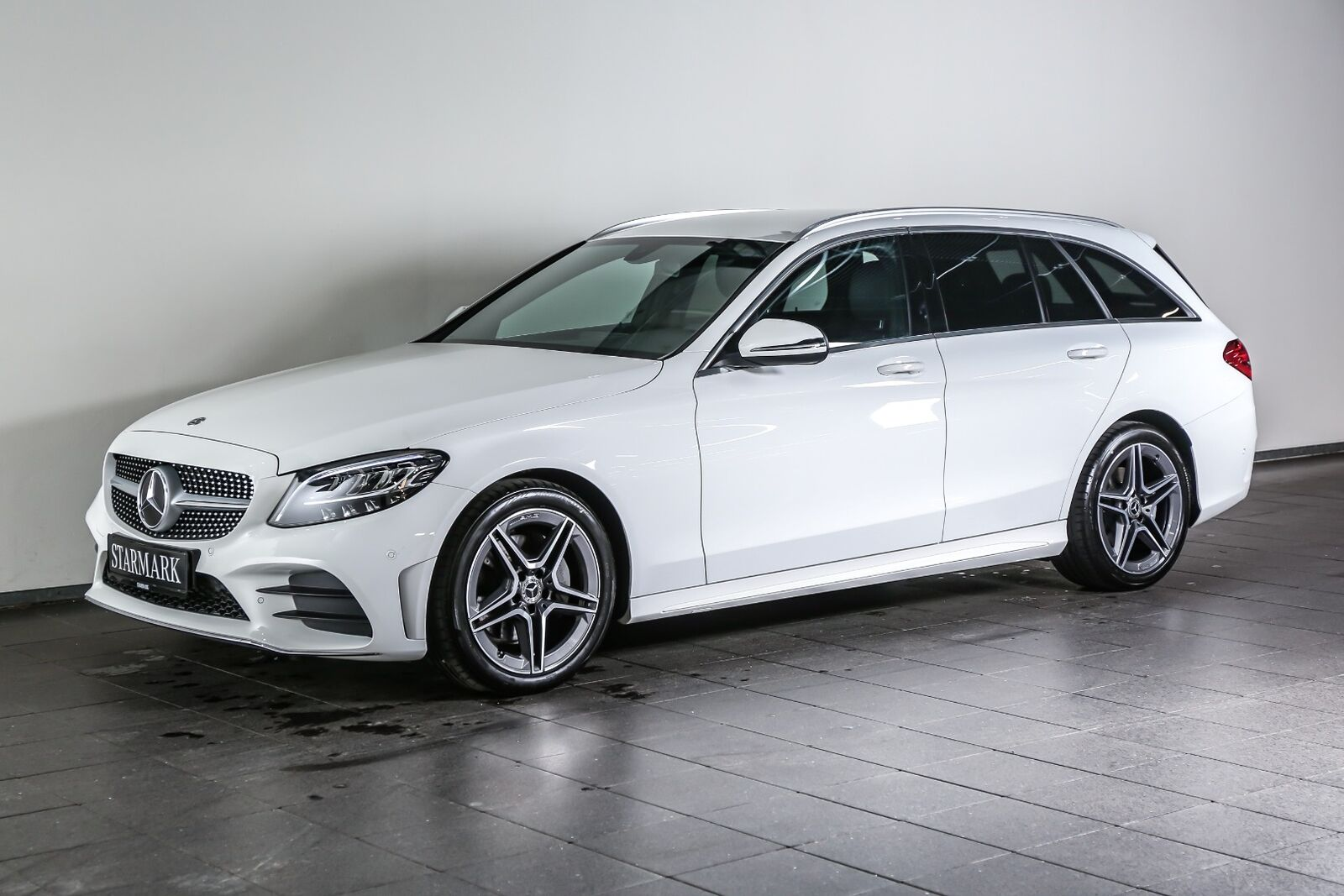 Mercedes C220 d 2,0 AMG Line stc. aut. 5d - 469.900 kr.
