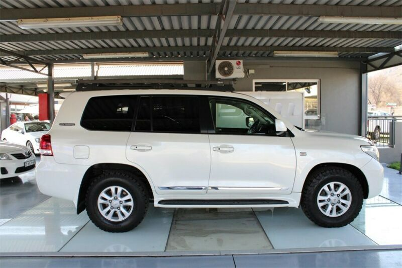 2012 TOYOTA 200 TD VX V8 60TH ANNIVERSARY A/T ONLY 216257KM FS, WHITE with 216257km available now!
