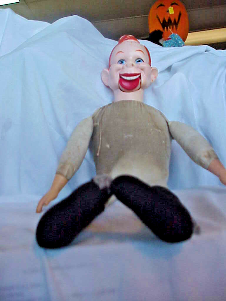HOWDY DOODY EEGEE   1973   VENTRILOQUIST   DOLL  26 INCH