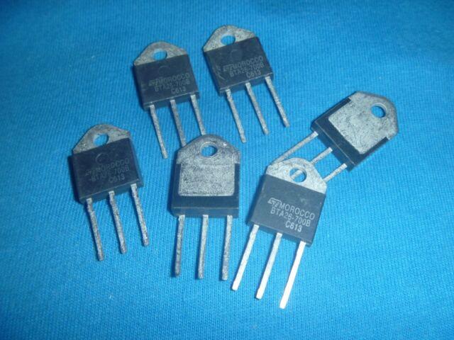 NEW ORIGINAL TRIAC ST BTA26-700B BTA26-700BRG  Triacs 25 Amp 700 Volt BOX#6