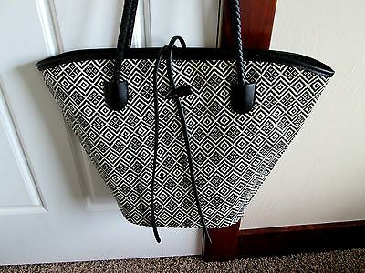 New NEIMAN MARCUS Black Camp Gorgeous TOTE W/Pouch of Summer Ready Samples NEW
