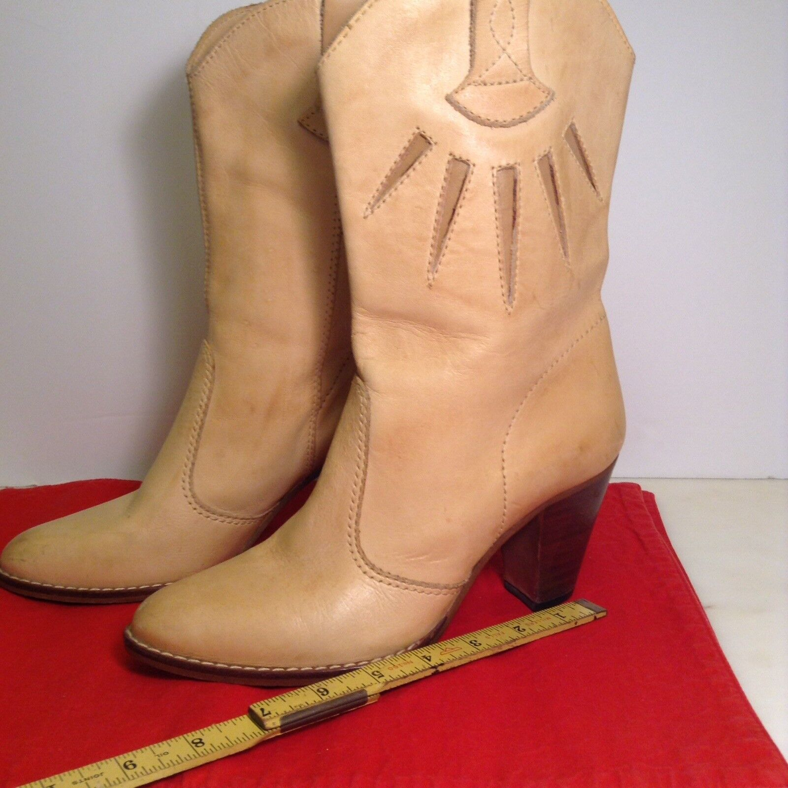 Boots Tan Leather Brazilian size 7
