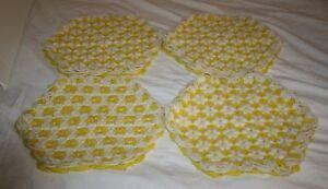 Vtg-Handmade-PLACEMATS-Loom-Crochet-Yarn-Flowers-Daisy-Yellow-Trivet-Set-of-4