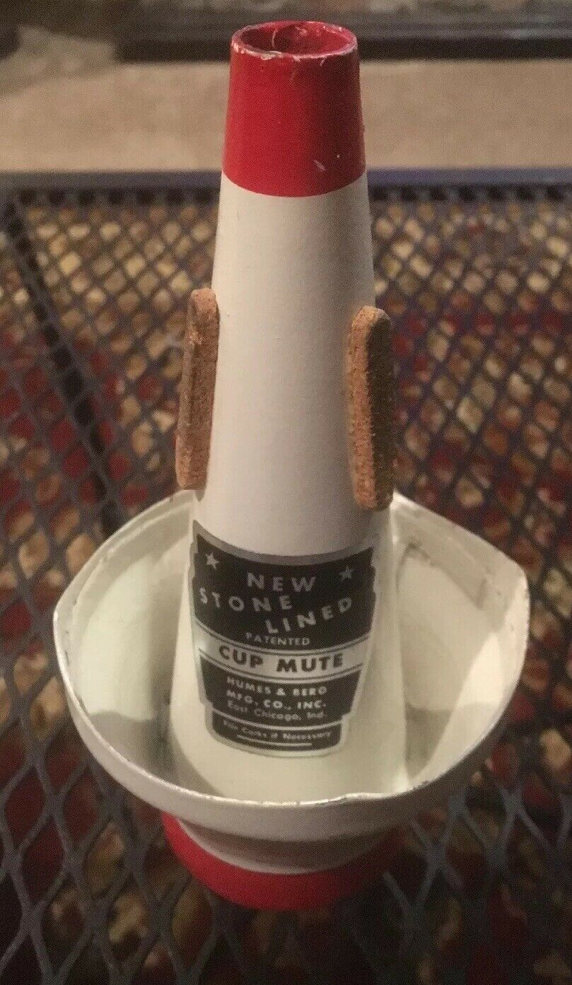 Vintage Humes & Berg Mute New Stone Lined Cup Mute