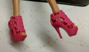 Barbie-Doll-Replacement-Shoes-Pair-Pink-High-Heel-Sandals-Heart-Cut-outs