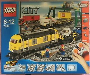 LEGO-City-7939-TRAIN-MARCHANDISES-power-fonctions-2010-100-NEUF-SCELLED