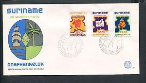 Suriname-Republiek-FDC-E001-E1-Onafhankelijk-blanco-met-open-klep