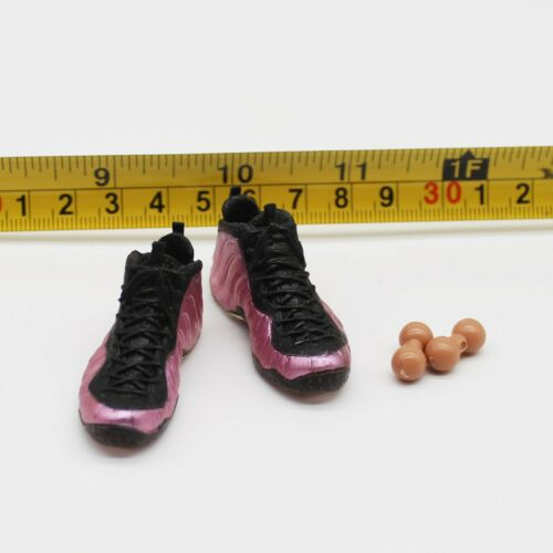 PL T68-28 1//6th Scale Action Figure w// pegs Sneakers