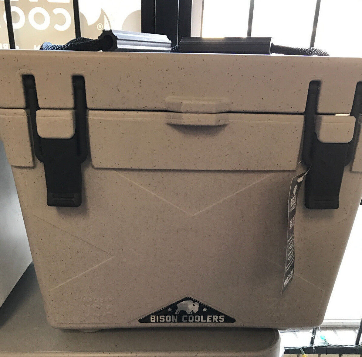 Cooler ... USA MADE    ... Bison 25QT       FREE GIFT INCLUDED