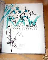 Pamela Anderson.. Raw (1/1) Signed