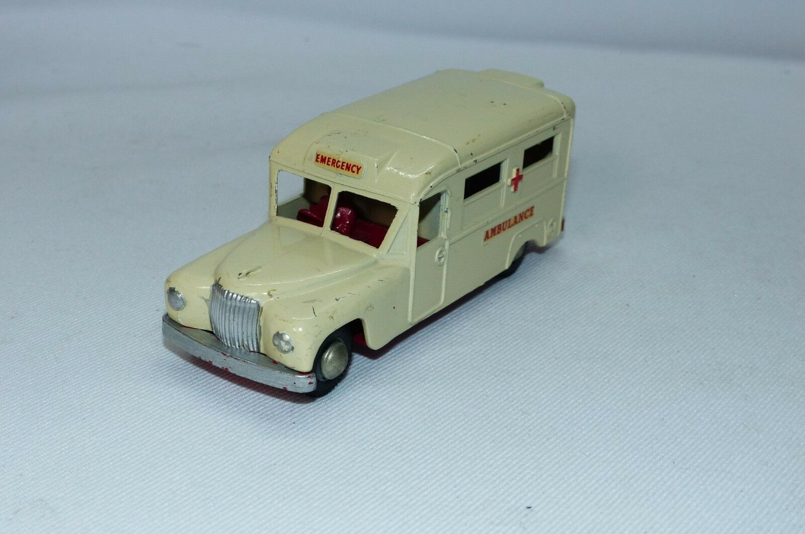 Budgie Toys re issue No 258 of of of the Daimler Ambulance excellent unboxed c0281b