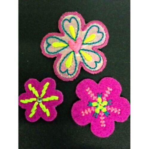 Pink Flowers Felt Stitching Hearts Set of 3 Iron On Craft Motif Stylish Patch
