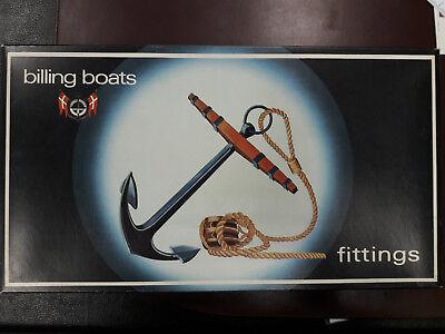 Billing Boats #340 Accessori Per Lilla Dan 579 Distintivo Per Le Sue Proprietà Tradizionali