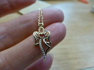 9ct-Gold-Angel-Pendant-with-18-034-9ct-gold-Chain