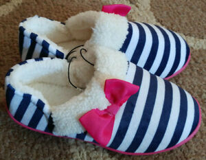 ccf10aeac7fa Girls 2-3 Stripe Pink Bow Plush Slippers House Shoes Wonder Nation ...