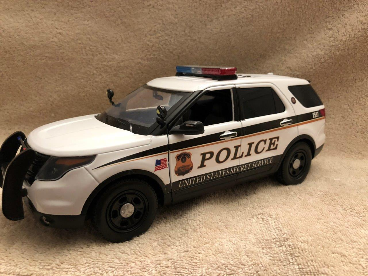 1 18 SCALE US SECRET SERVICE PD FD SUV UNIT MODEL WITH WORKING LIGHTS AND SIREN