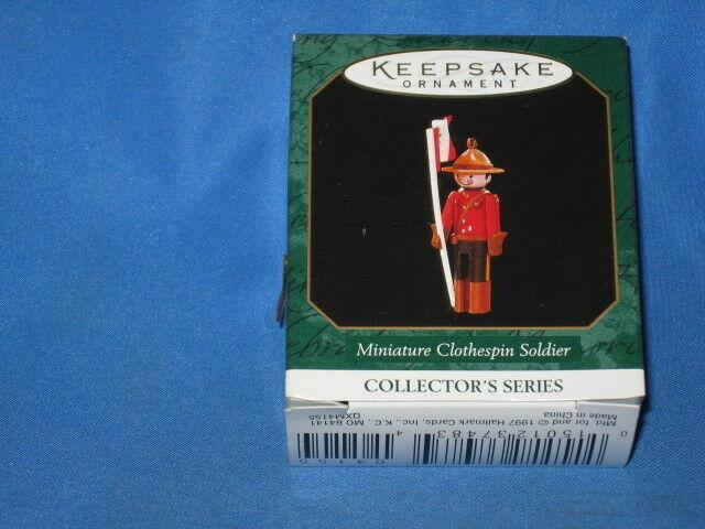 1998 Hallmark Keepsake Ornament MINIATURE CLOTHESPIN SOLDIER MIB! K52