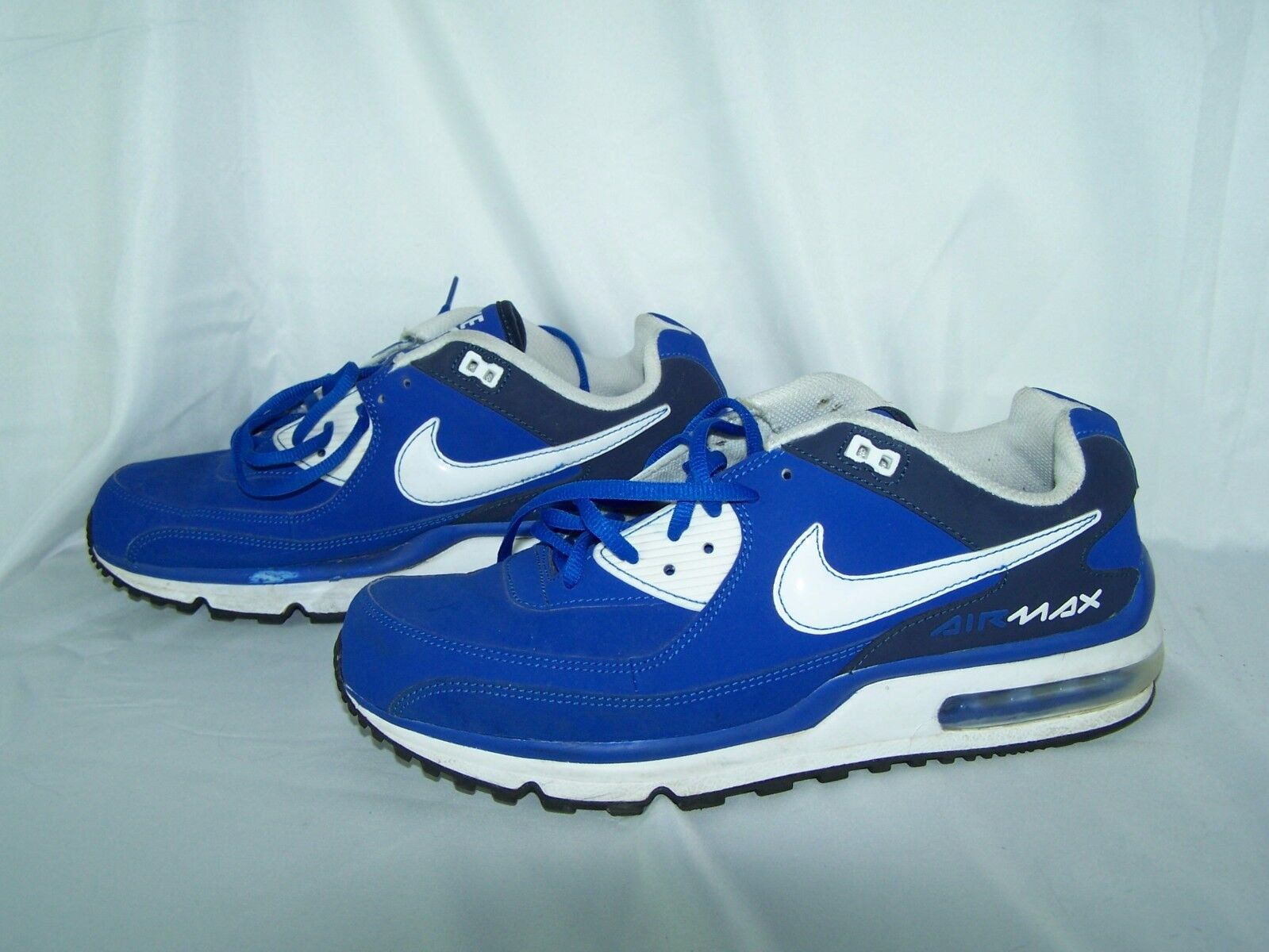 Nike Air Max size 10 Royal bluee White shoes Sneakers