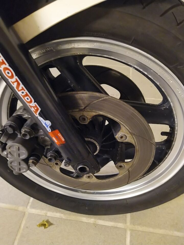 Forårs og køreklar Honda VF 1000 f interceptor