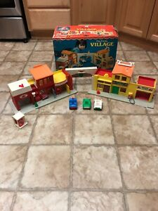 1973-Vintage-Fisher-Price-Little-People-Play-Family-997-W-BOX