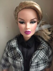 Fine Fashion Royalty Doll Head Integrity Toys Juguetes