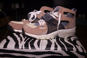 9a9f01aeb02c NIKE AIR TRAINER HUARACHE - HIGH - SIZE 9.5 - BISQUE STORM GREY-ROPE ...