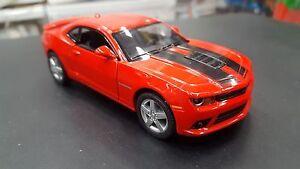 2014-Chevrolet-Camaro-Rosso-Due-Fili-Kinsmart-Auto-Giocattolo-Modello-1-38