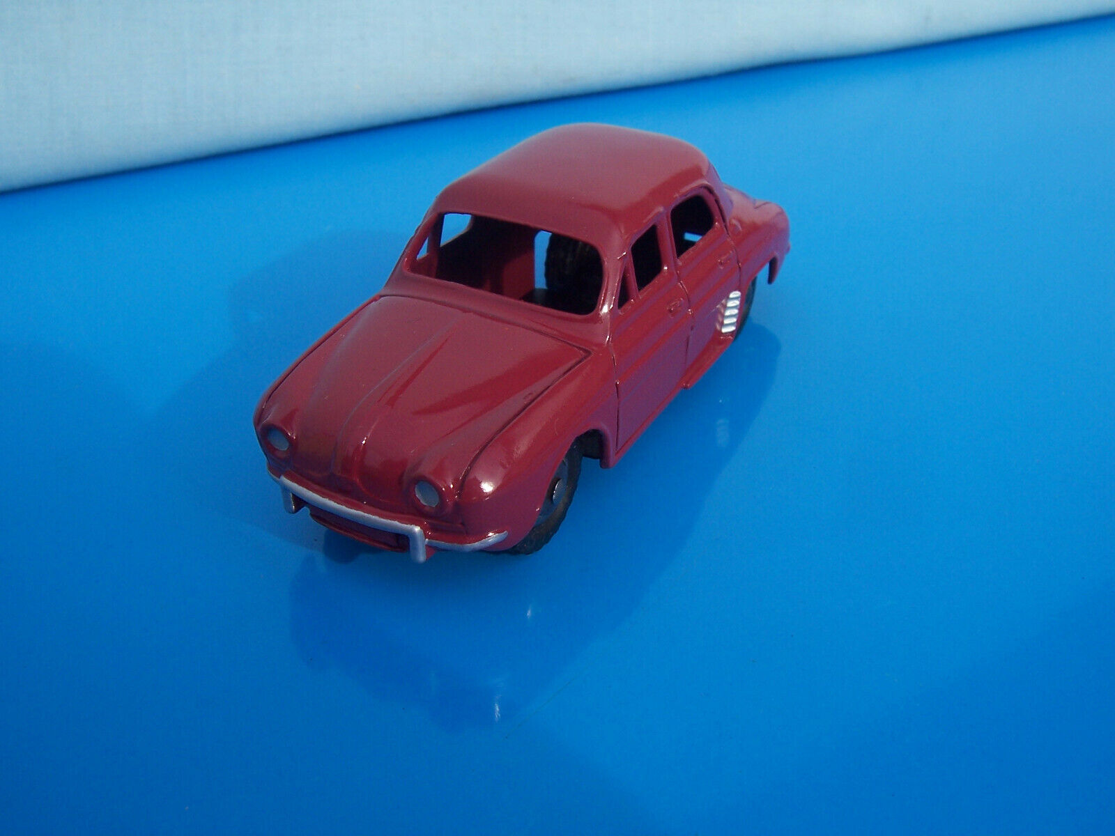 Genuine original FRENCH Dinky Toys RENAULT DAUPHINE  - early issue cat No 24e