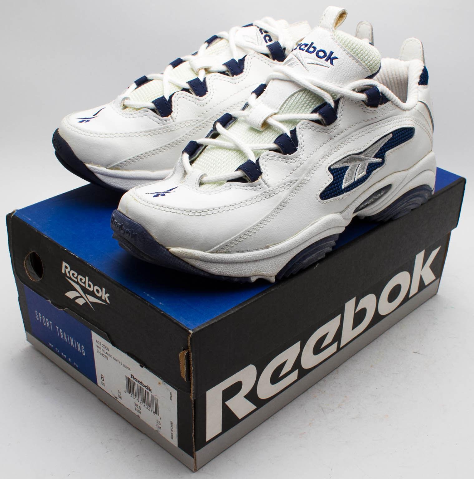 Reebok Women's Vintage 1990's Act 2000 shoes 2-39269 White Navy sz. 8