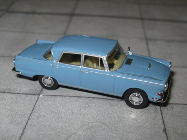 Brekina 15504 Borgward P 100 Limousine blau PKW Modell 1:87 H0